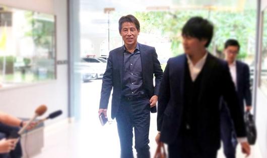 HLV Nhật Bản chưa nhận lời dẫn dắt Thái Lan vì khó thống nhất mức lương - Ảnh 1