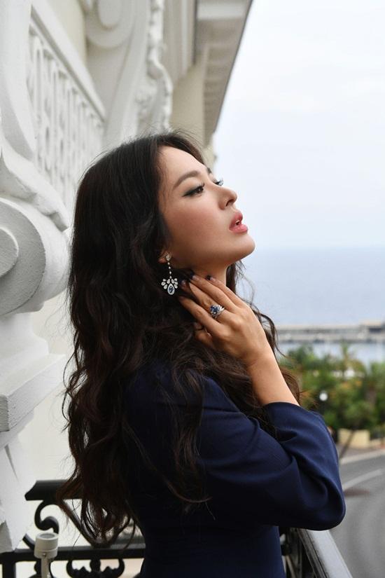 """Song Hye Kyo có cuộc phỏng vấn đầu tiên sau ly hôn, muốn chờ """"định mệnh chỉ lối"""" - Ảnh 1"""