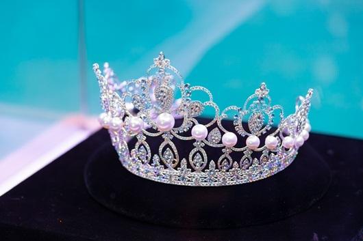 Cận cảnh vương miện lộng lẫy 3 tỷ đồng của Miss World Việt Nam 2019 - Ảnh 1