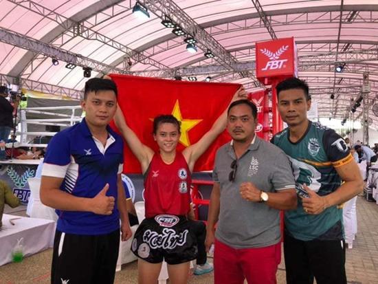 Nữ võ sĩ Hữu Hiếu giành ngôi vô địch Muay thế giới 2019 trên đất Thái - Ảnh 1
