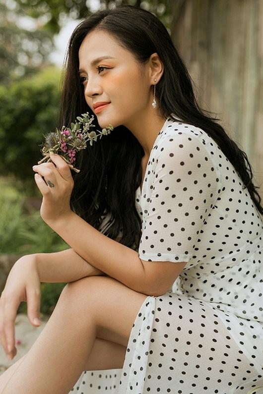 """Tin tức giải trí mới nhất ngày 29/7: Mai Phương Thúy khoe tóc ngắn lạ lẫm cùng vòng eo """"vạn người mê"""" - Ảnh 3"""