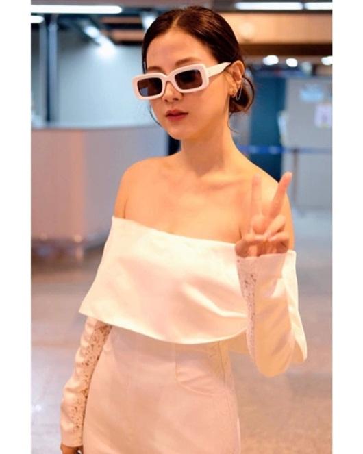"""Nữ chính """"Chiếc lá cuốn bay"""" khoe vẻ đẹp không tỳ vết giữa """"vòng vây"""" fan Việt - Ảnh 5"""