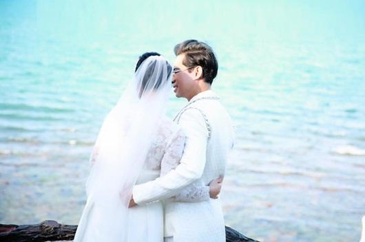 Ngọc Sơn bất ngờ tung ảnh cưới, úp mở chuyện lấy vợ ở tuổi 49 - Ảnh 2