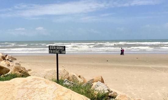 Vụ nhiều du khách bị sóng cuốn trôi ở Bình Thuận: Đã có cảnh báo biển động, sóng lớn - Ảnh 1