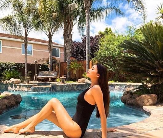 Sang Mỹ sống, Phạm Hương chăm chỉ diện bikini khoe body gợi cảm - Ảnh 4