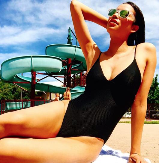 Sang Mỹ sống, Phạm Hương chăm chỉ diện bikini khoe body gợi cảm - Ảnh 5