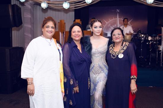 Lý Nhã Kỳ diện váy xuyên thấu quyến rũ hút hồn dự tiệc sinh nhật tỷ phú Ấn Độ - Ảnh 5