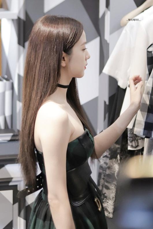 Jisoo (BLACKPINK) tham dự sự kiện Dior: Đẳng cấp nhan sắc nữ thần - Ảnh 7