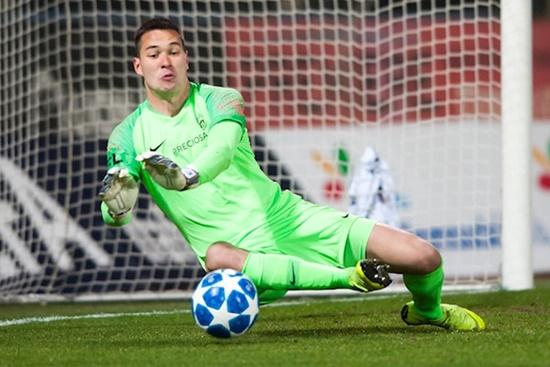 Vòng loại World Cup 2022: Vẫn còn chỗ cho thủ môn Việt kiều Filip Nguyễn? - Ảnh 2