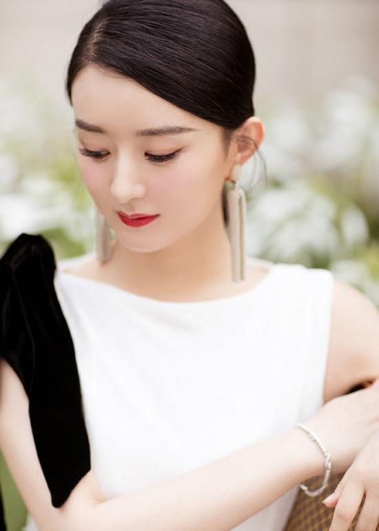 Triệu Lệ Dĩnh tái xuất xinh đẹp như nữ thần khiến fan đồng loạt nói lời yêu - Ảnh 2