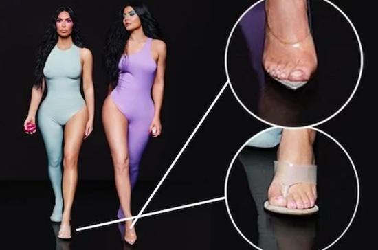 """Xuất hiện """"ngón chân thứ 6"""" tố lỗi photoshop trong ảnh của chị em nhà Kardashian - Ảnh 1"""