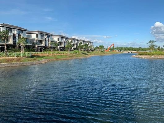 Hồ Ngọc Hà tậu biệt thự triệu USD, làm hàng xóm với ca sĩ Cao Thái Sơn - Ảnh 6