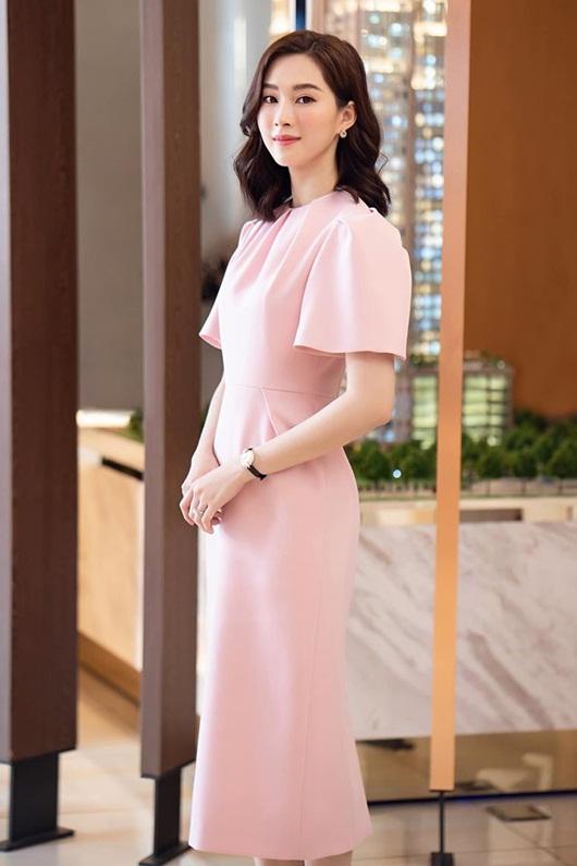Hoa hậu Đặng Thu Thảo dịu dàng thanh lịch sánh đôi cùng ông xã Trung Tín - Ảnh 2