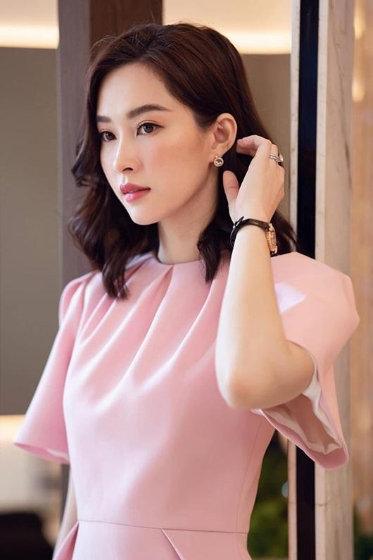Hoa hậu Đặng Thu Thảo dịu dàng thanh lịch sánh đôi cùng ông xã Trung Tín - Ảnh 4