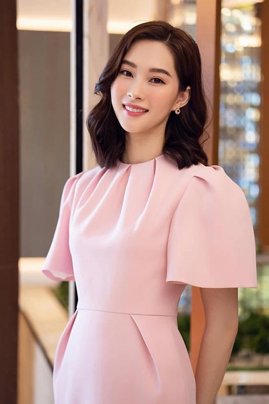 Hoa hậu Đặng Thu Thảo dịu dàng thanh lịch sánh đôi cùng ông xã Trung Tín - Ảnh 5