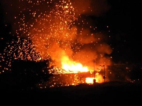 Kho vũ khí của Thổ Nhĩ Kỳ tại đảo Cyprus nổ liên hoàn gần 4 giờ đồng hồ - Ảnh 1