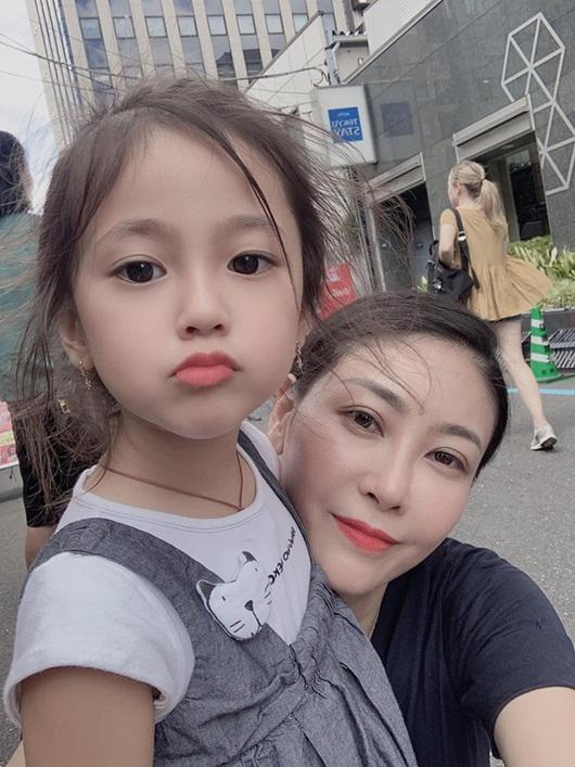"""Loạt ảnh """"gây thương nhớ"""" khiến con gái Hà Kiều Anh được dự đoán sẽ là tiểu mỹ nhân showbiz - Ảnh 1"""