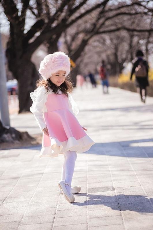 """Loạt ảnh """"gây thương nhớ"""" khiến con gái Hà Kiều Anh được dự đoán sẽ là tiểu mỹ nhân showbiz - Ảnh 8"""