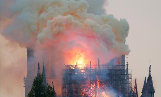 Paris nhiễm độc chì sau vụ cháy Nhà thờ Đức Bà, người dân hoang mang lo sợ - Ảnh 1