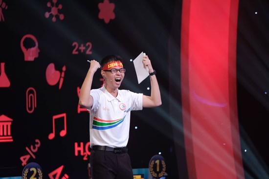 Nam sinh Nghệ An Trần Thế Trung vô địch Đường lên đỉnh Olympia năm thứ 19 - Ảnh 2