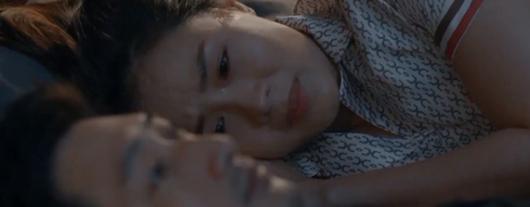 Hoa hồng trên ngực trái tập 13: Khuê hèn mọn cầu xin chồng vì con nhưng Thái không dao động - Ảnh 5