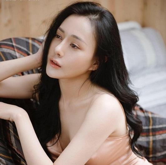 """Nhan sắc đời thực """"không phải dạng vừa"""" của dàn tiểu tam gây sóng gió màn ảnh Việt - Ảnh 13"""