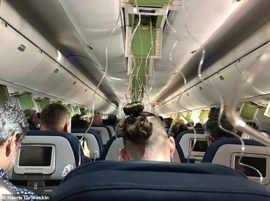 Máy bay rơi tự do 9.000 m, cựu phi công nhận định không phải mất kiểm soát - Ảnh 1