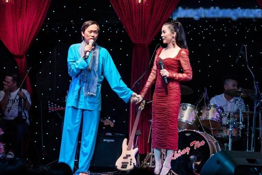 Lệ Quyên hội ngộ Hoài Linh trên sân khấu mừng năm mới - Ảnh 3