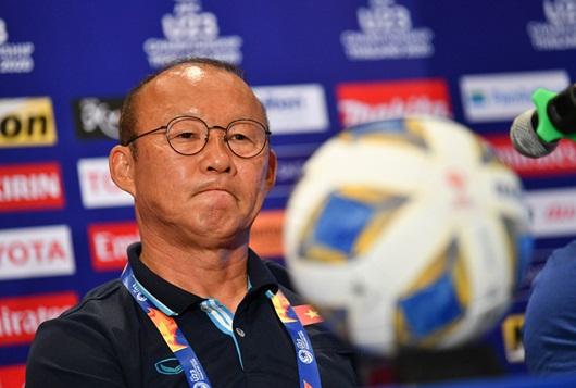 Thầy Park hài lòng với trận hòa, lý giải việc sử dụng thủ môn Bùi Tiến Dũng - Ảnh 1