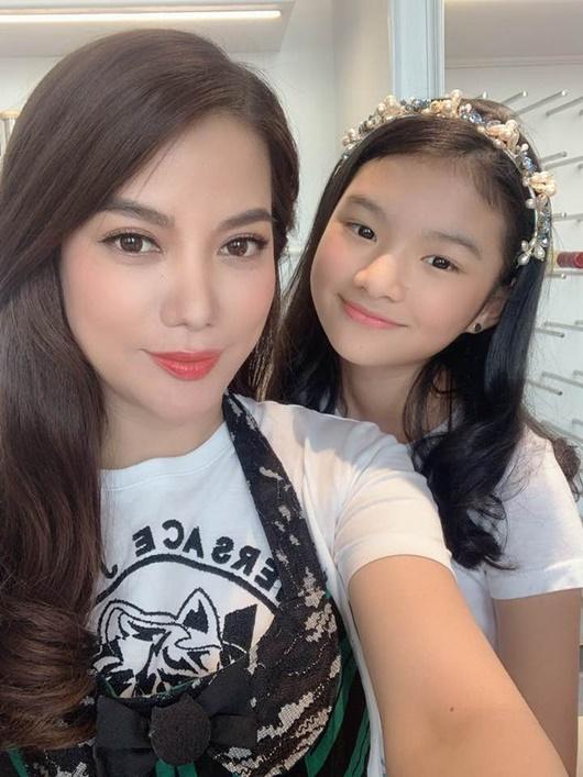 """Con gái Trương Ngọc Ánh - Trần Bảo Sơn: Lại một """"tiểu mỹ nhân"""" nữa của showbiz Việt - Ảnh 4"""