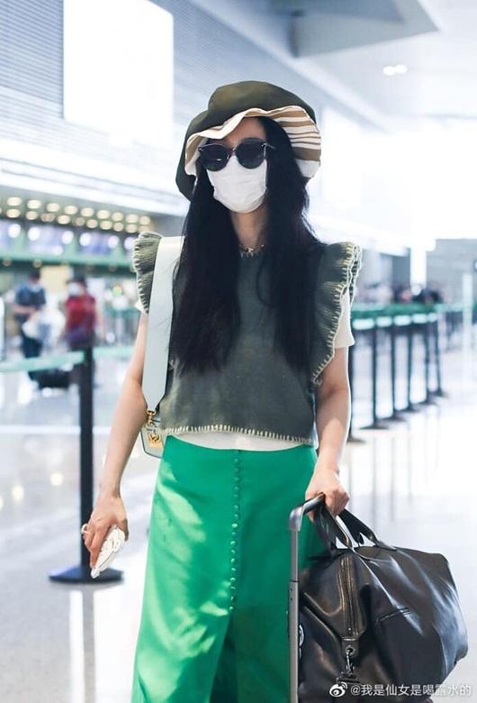 Bộ trang phục chỉ Phạm Băng Băng mới dám mặc ra đường - Ảnh 4