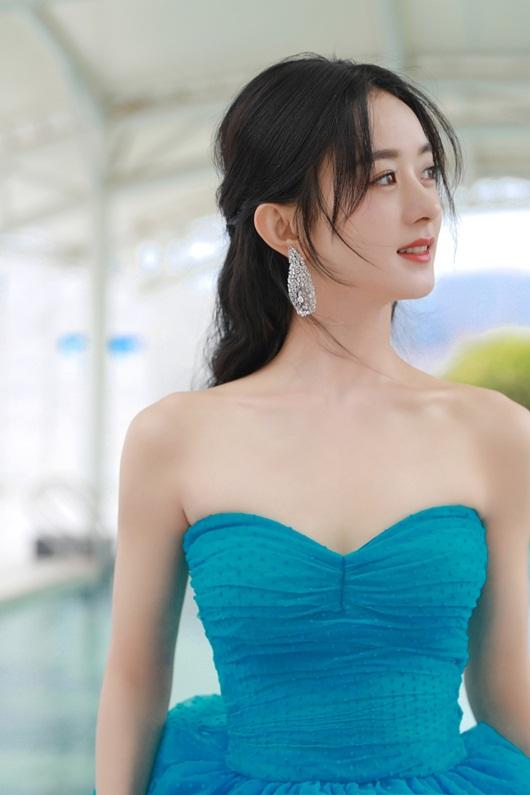 Kim Ưng 2020: Triệu Lệ Dĩnh đẹp như công chúa, ý nghĩa của chiếc váy mới khiến fan trầm trồ - Ảnh 6