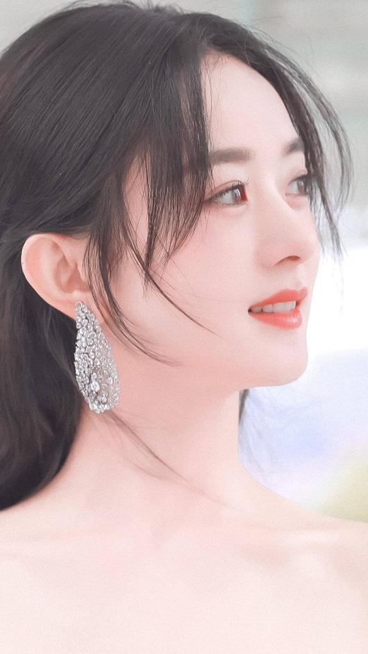 Kim Ưng 2020: Triệu Lệ Dĩnh đẹp như công chúa, ý nghĩa của chiếc váy mới khiến fan trầm trồ - Ảnh 7