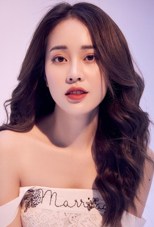 """Nữ MC xinh đẹp của VTV6 nổi giận vì bị đồn cặp đại gia, """"ngồi tiệc lấy tiền"""" - Ảnh 2"""
