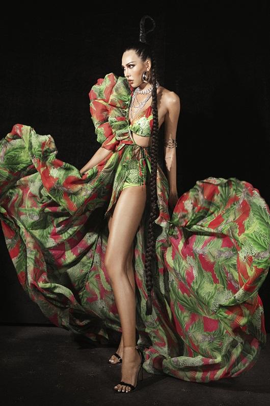 Hà Anh tái xuất sàn diễn trong show thời trang của Xuân Lan - Ảnh 10