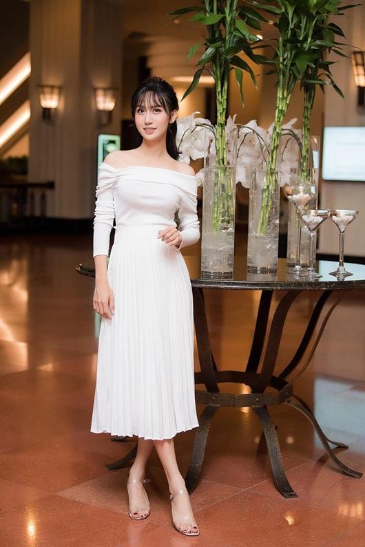 Lynk Lee o ép vòng một trong váy trắng thướt tha lộng lẫy như cô dâu - Ảnh 6