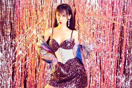 Lynk Lee diện váy lấp lánh khoe đường cong mỹ miều mừng tuổi mới - Ảnh 7