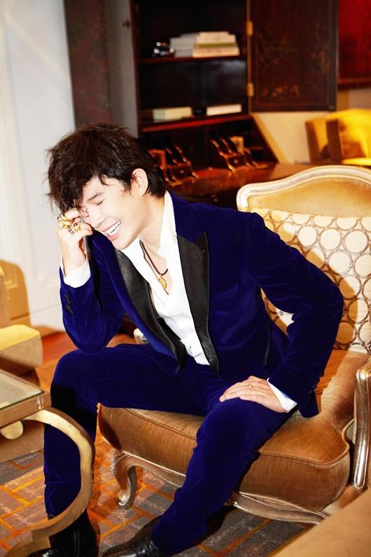 """Nathan Lee diện set đồ 25 tỷ đi hát, có chiếc nhẫn từng """"đụng hàng"""" Lady Gaga - Ảnh 3"""