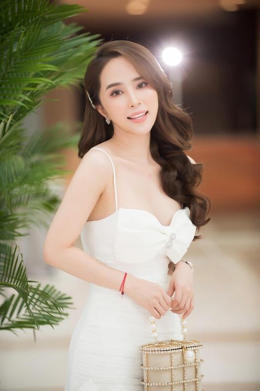 Diễn viên Quỳnh Nga tiết lộ chế độ ăn nghiêm ngặt mỗi ngày để giữ eo thon, dáng đẹp - Ảnh 2