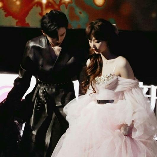 """""""Visual công chúa"""" của Khổng Tuyết Nhi lấn át dàn mỹ nhân Hoa ngữ trên thảm đỏ - Ảnh 3"""