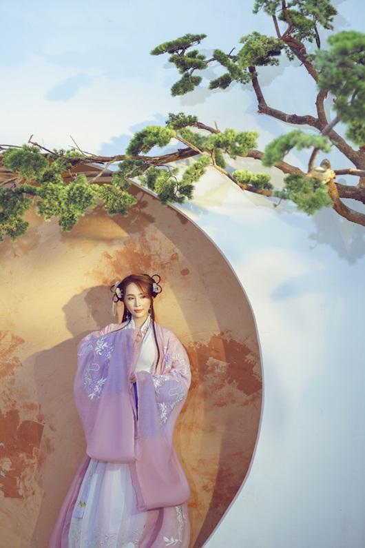 Quỳnh Nga chán mặc gợi cảm, chuyển sang phong cách cổ trang hóa tiên nữ giáng trần - Ảnh 6