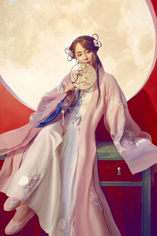 Quỳnh Nga chán mặc gợi cảm, chuyển sang phong cách cổ trang hóa tiên nữ giáng trần - Ảnh 2