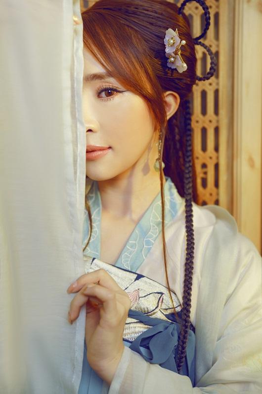 Quỳnh Nga chán mặc gợi cảm, chuyển sang phong cách cổ trang hóa tiên nữ giáng trần - Ảnh 4