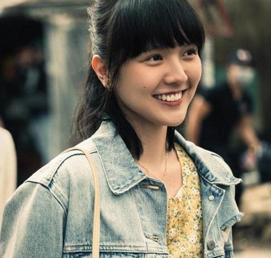 """Nhan sắc """"cô gái bán cơm"""" khiến Sơn Tùng không ngại hy sinh tất cả trong MV mới - Ảnh 1"""