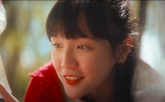 """Nhan sắc """"cô gái bán cơm"""" khiến Sơn Tùng không ngại hy sinh tất cả trong MV mới - Ảnh 2"""