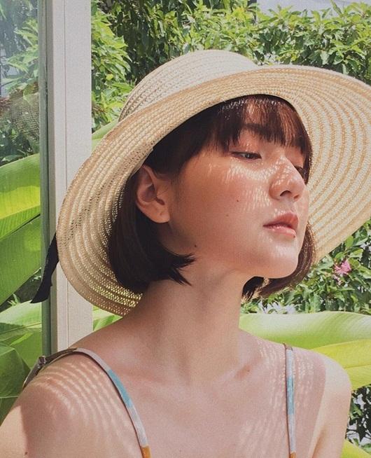 """Nhan sắc """"cô gái bán cơm"""" khiến Sơn Tùng không ngại hy sinh tất cả trong MV mới - Ảnh 7"""