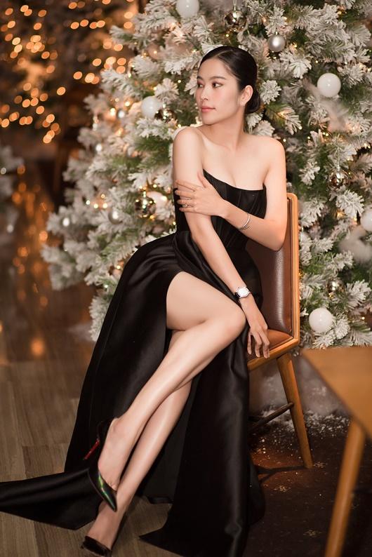 """Nam Em mặc đầm cúp ngực khoe số đo chuẩn, gợi nhớ hình ảnh """"điên nữ"""" Seo Ye Ji - Ảnh 5"""