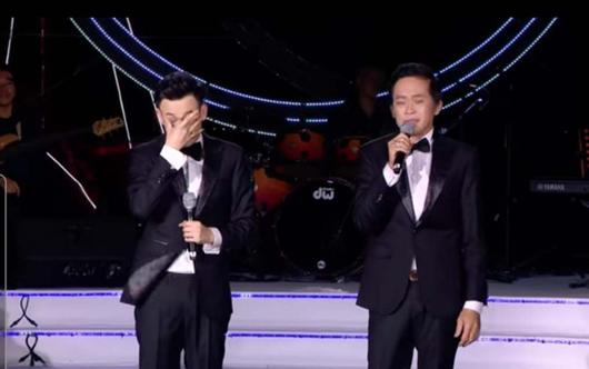 Tin tức giải trí mới nhất ngày 25/12: NSƯT Hoài Linh lần đầu hé lộ bệnh tình bản thân  - Ảnh 1