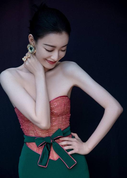 """Dương Mịch, Đường Yên xinh đẹp, lộng lẫy nhưng bị """"lấn át"""" bởi một mỹ nam - Ảnh 13"""
