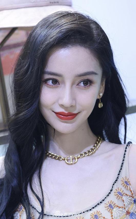 """Angelababy sánh vai Viên Băng Nghiên: Hai nàng đều xinh nhưng cư dân mạng vẫn bình luận """"phũ"""" - Ảnh 7"""